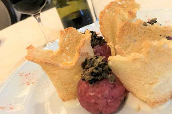 Beaten  with a knife beef with Parmesan cheese and truffle ice cream