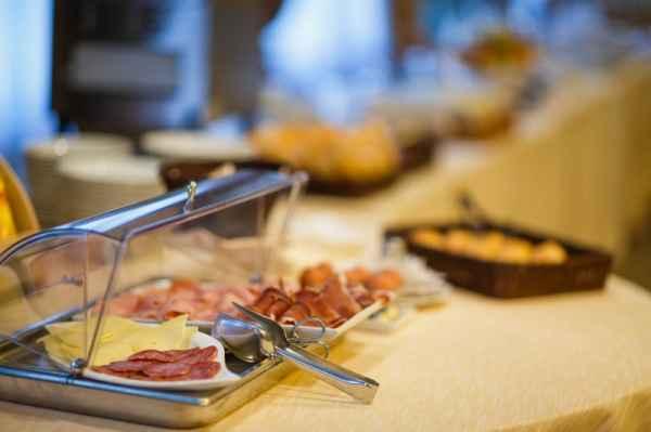 Salumi e formaggi locali